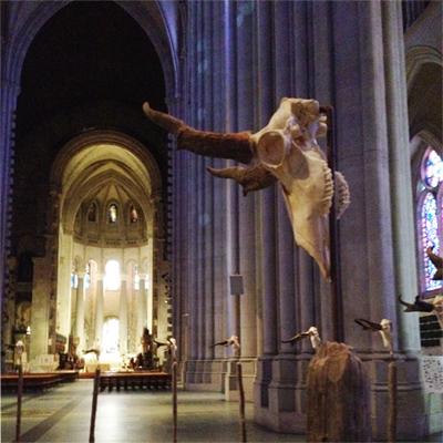"iglesia - Exposición ""artistica"" satánica/pagana en la Iglesia Catedral Jesuita Saint John the Divine de Nueva York! Closerview-ofskull2"